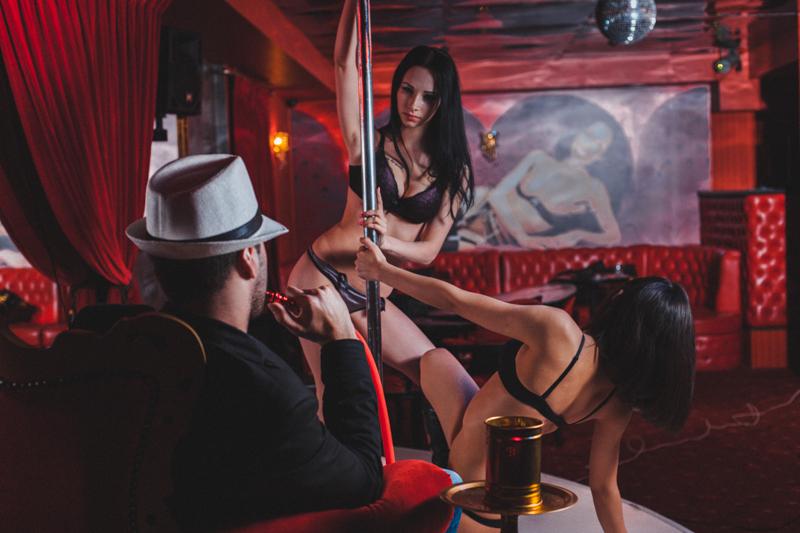 Видео порно секс в переулках в ночном петербурге