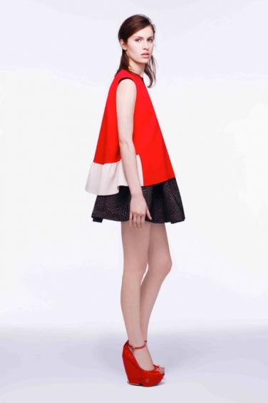 Ах, этот красный в pre-fall коллекциях Giambattista Valli, Givenchy и Roksanda Ilincic