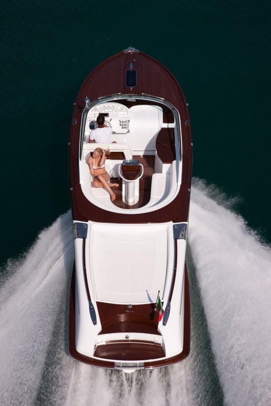 Яхта Aquariva от Gucci