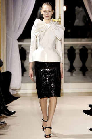 Дебютная коллекция Giambattista Valli на Haute Couture Fashion Week