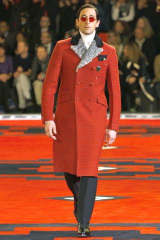 Эдриан Броуди и Гари Олдман стали звездами показа Prada
