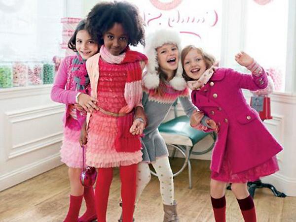 Gap сделал деткам подарок к праздникам