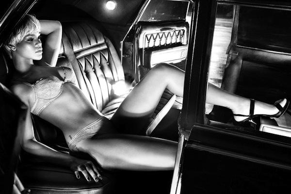 Кампании: Рианна в рекламе Armani Underwear