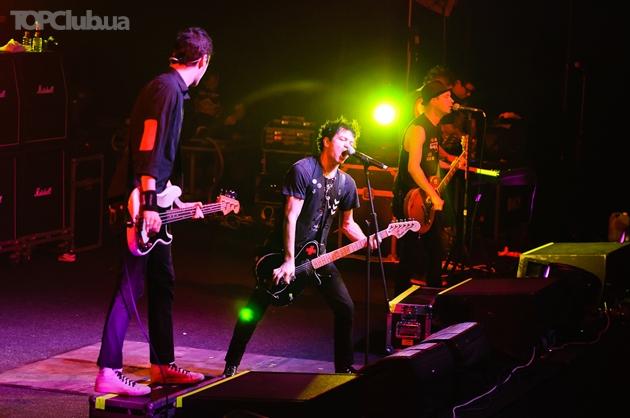 Американская группа Sum 41 дала ошеломляющий концерт в Киеве
