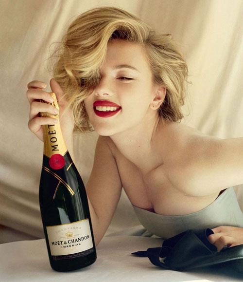 Скарлетт Йохансон в рекламной кампании Moët & Chandon