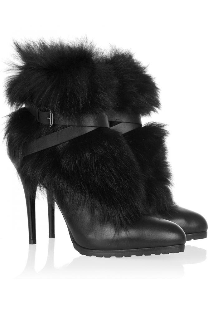 Тренд зимы: пушистые ножки