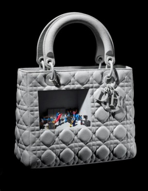 Выставка имени сумки  Lady Dior