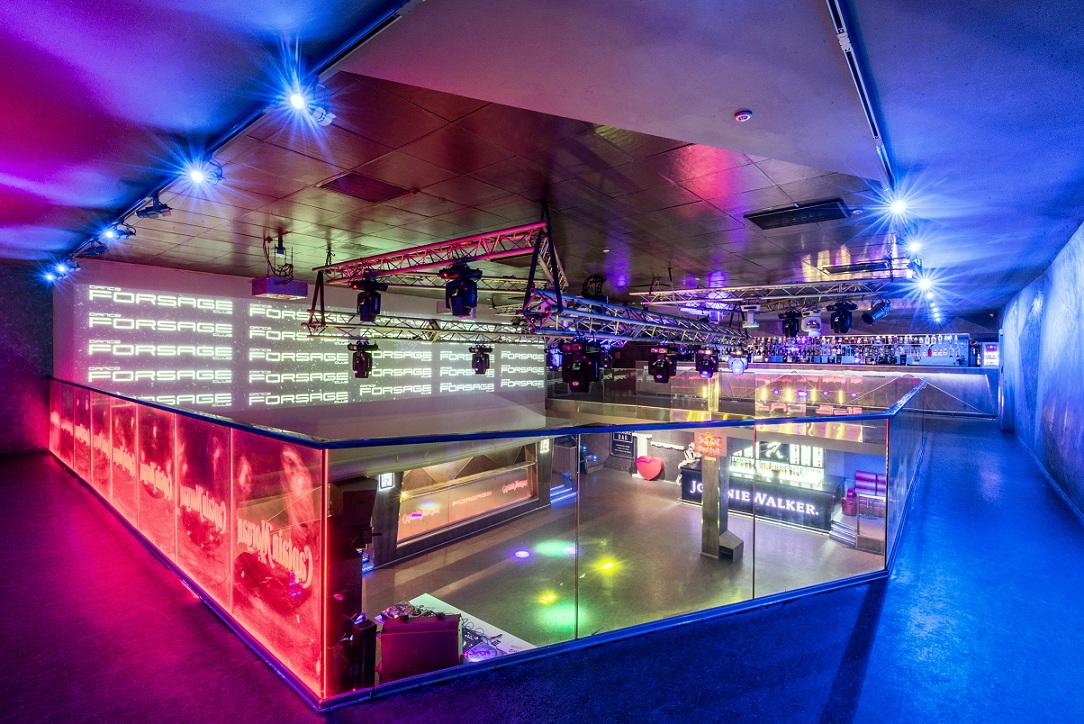Киев ночной клуб форсаж бар где танцуют мужчины стриптиз